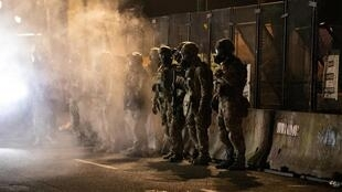 Un contingent d'officiers fédéraux à Portland, Oregon, le 29 juillet 2020.