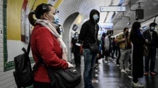 2020-05-15 paris metro coronavirus covid-19 face masks