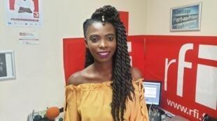 Négresse Colas au studio de RFI à Port au Prince.