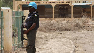 Un casque bleu de la Minusma à Tombouctou, dans le nord du Mali, en avril 2015 (image d'archives).