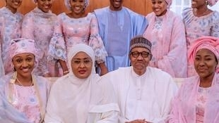 Shugaban Najeriya Muhammadu Buhari tare da iyalinsa.