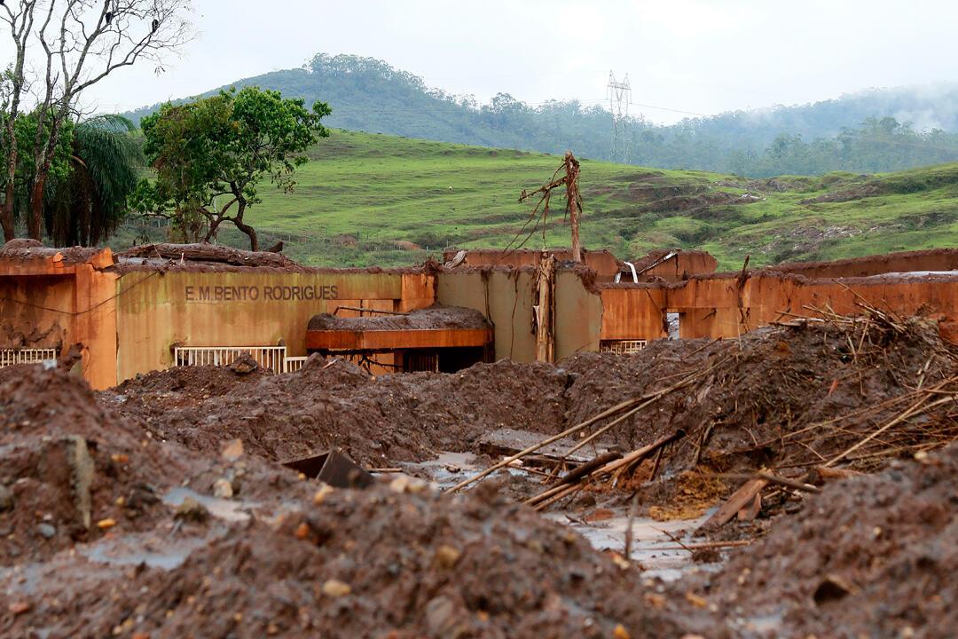 Bento Rodrigues  alguns dias após rompimento da barragem
