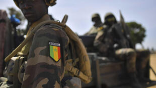 Sojojin Senegal yayin sintiri a garin Barra.