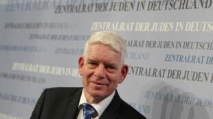 Josef Schuster   رئیس شورای مرکزی یهودیان آلمان، ٣٠ نوامبر ٢٠١٤ در فرانکفورت.