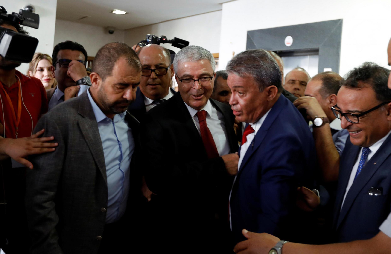 Le ministre de la Défense démissionaire, Abdelkarim Zbidi, qui fait partie des favoris de l'élection présidentille, dépose sa candidature à Tunis, le 7 août 2019.