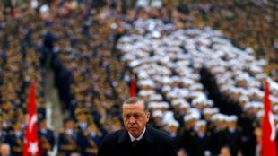 Президент Турции Эрдоган во время празднования Дня Республики, 29 октября 2016.