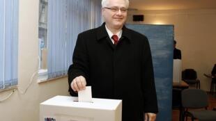 Ivo Josipovic, le candidat social-démocrate de l'élection présidentielle croate, à Zagreb, le 10 janvier 2010.