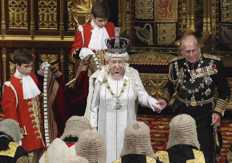 Malkia wa Uingereza, Elizabeth II na Prince Philip, Jumatano, Mei 9, 2012, mjini London.