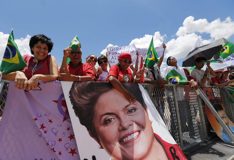 Apoiantes de Dilma Rousseff em Brasilia, no 1 de Janvier 2015.