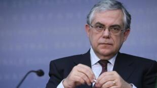 O primeiro-ministro da Grécia, Lucas Papademos.