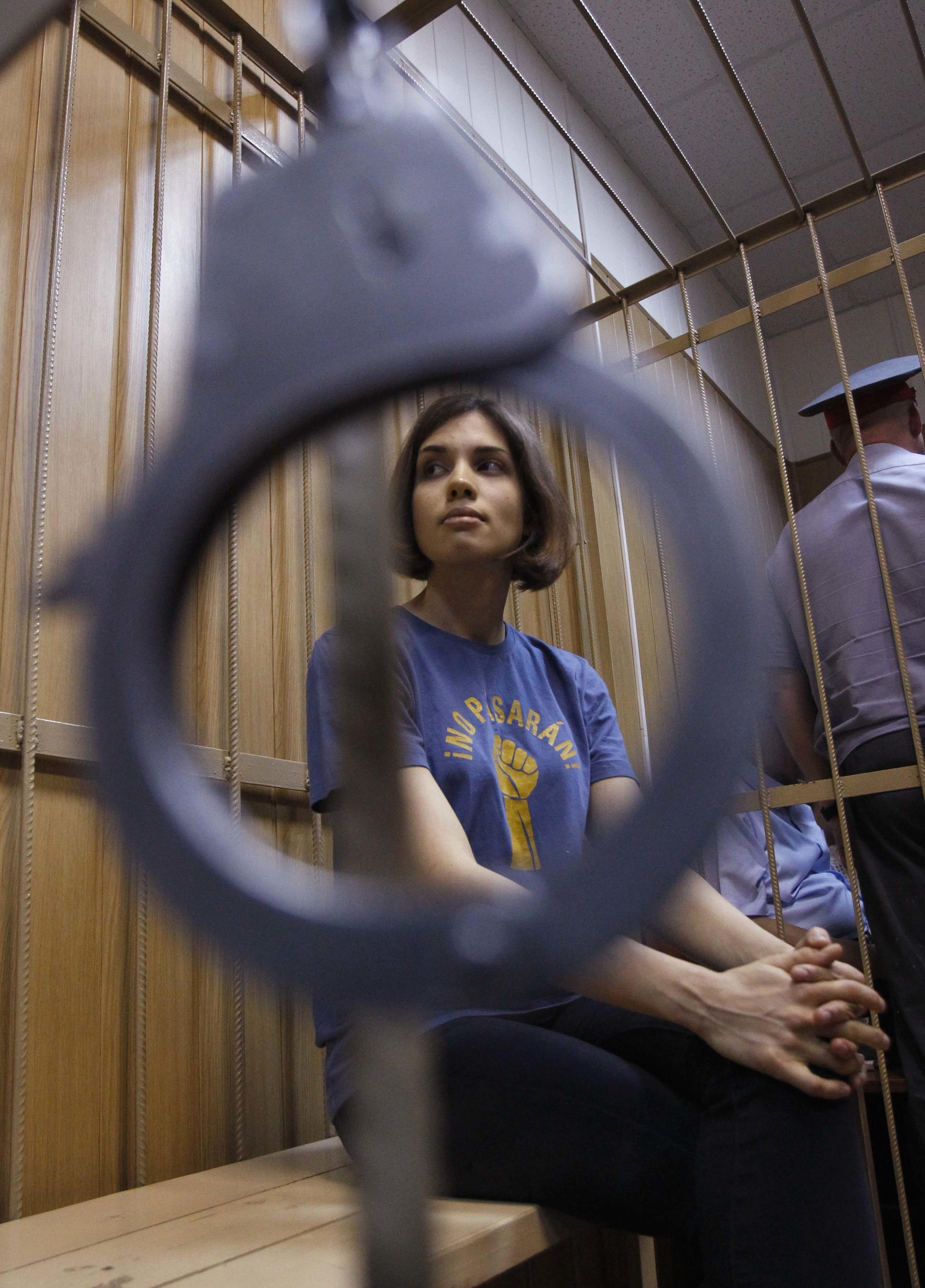 Надежда Толоконникова, участница панк-группы Pussy Riot, на заседании суда 4 июля 2012 г.