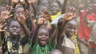 A Zémio, une école pour les enfants de déplacés.