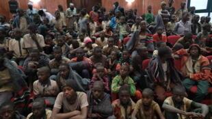 Los estudiantes liberados después de su secuestro, reivindicado por el grupo yihadista Boko Haram, el 18 de diciembre de 2020 en Kankara, en Nigeria