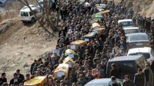 L'enterrement des 35 Kurdes à Uludere, dans la province du Sirnak, tués dans le raid aérien turc, le 30 décembre 2011.