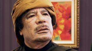 资料照片:卡扎菲2011年3月8日的黎波里 Rixos酒店