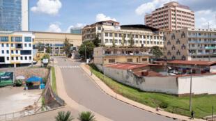 En mars 2020, le confinement a laissé les rues de Kigali déserte. En janvier 2021, les bars et salles de sport restent toujours fermés (Image d'illustration).