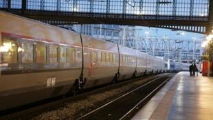 Un quai vide de la gare du Nord à Paris, le 14 décembre 2019, alors que la France fait face à son dixième jour consécutif de grève.
