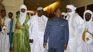 Modibo Keïta (3e gauche) était jusqu'alors le représentant malien aux négociations de paix avec les groupes rebelles. Ici, le 29 mai 2014 à Ouagadougou.