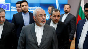 Ngoại trưởng Iran Mohammad Javad Zarif phát biểu trước báo giới sau cuộc họp với lãnh đạo ngoại giao Châu Âu Federica Mogherini, tại Bruxelles, ngày 15/05/2018.