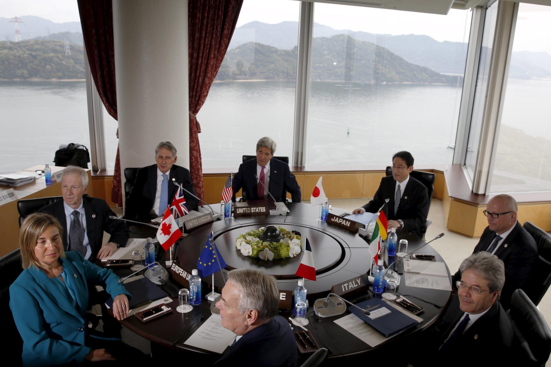 Các ngoại trưởng G7 trong phiên họp đầu tiên ngày 10/04/2016 tại Hiroshima, Nhật Bản.