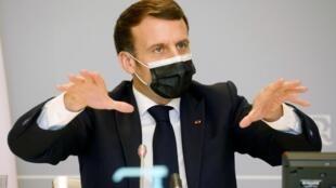 Shugaban Faransa Emmanuel Macron bayan tattaunawar kwamitin tsaron kasashen Faransa da Jamus ta hoton bidiyo