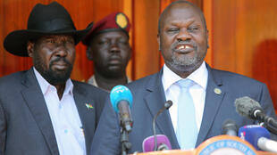 Shugaba Salva Kiir na Sudan ta kudu da mataimakinsa Riek Machar kuma tsohon madugun 'yan tawayen Kasar.