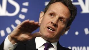 រដ្ឋមន្ត្រីក្រសួងហិរញ្ញវត្ថុអាមេរិកលោកTimothy Geithner