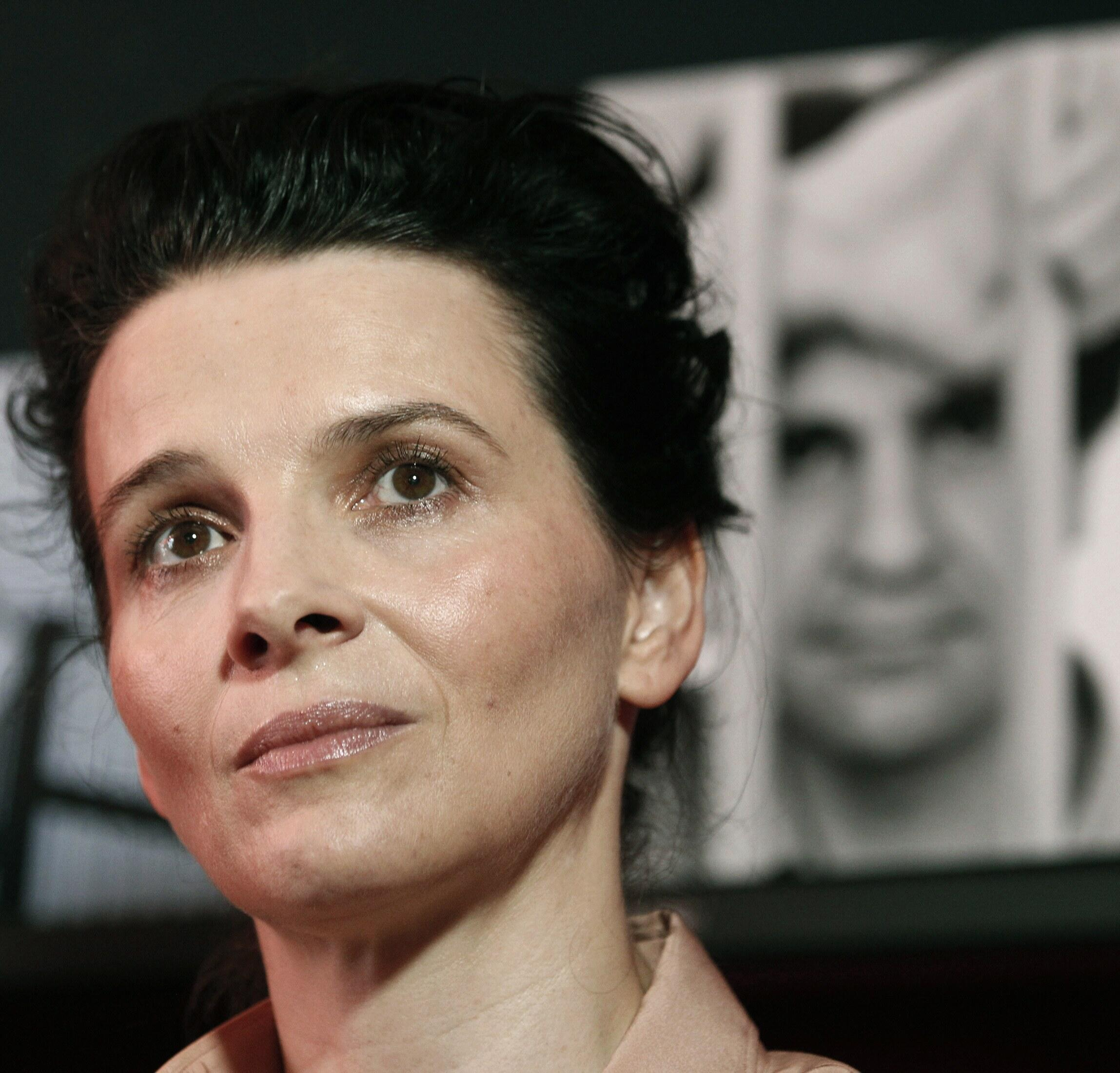 Juliette Binoche is one of the leading French artists who support Saturday's joint declaration (File photo: Cannes Film Festival 2010)