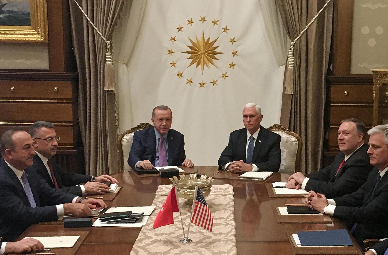 Le président turc Recep Tayyip Erdogan et le vice-président américain Mike Pence le 17 octobre 2019 à Ankara.
