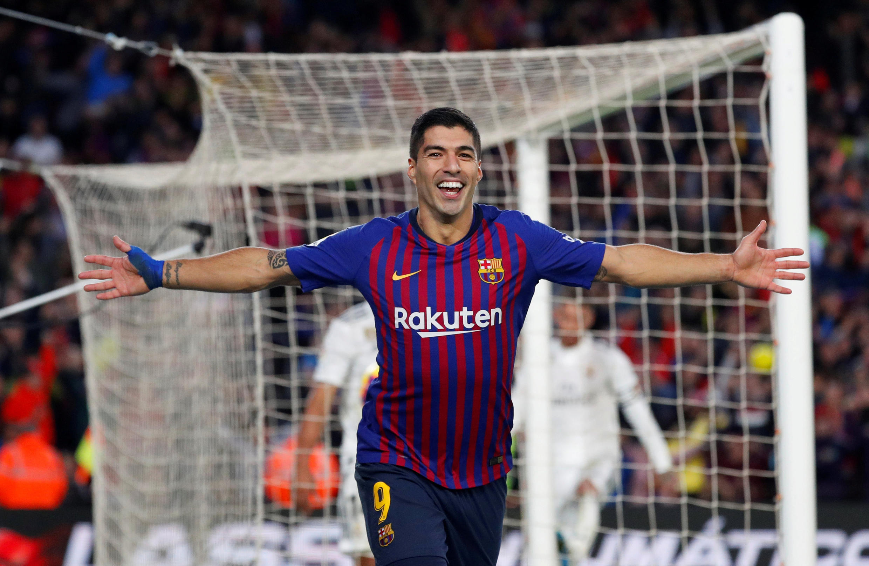 Luis Suárez, avançado uruguaio, apontou três tentos na goleada do FC Barcelona por 5-1 frente ao Real Madrid.
