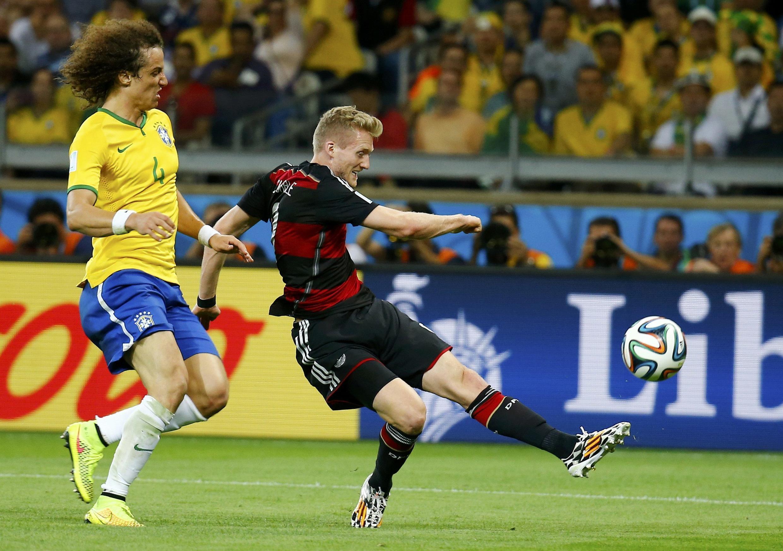 Onze minutes plus tard Schuerrle marque son deuxième et le septième but allemand.
