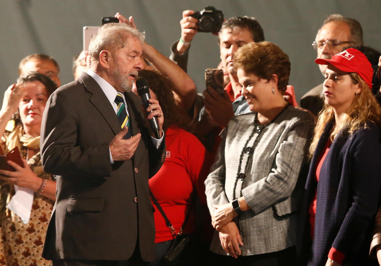 No fim da audiência, Lula conversou com militantes