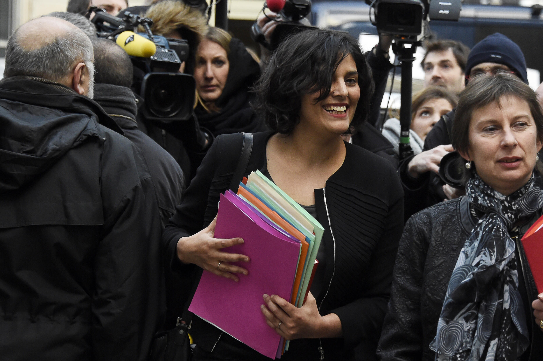 Myriam El Khomri, ministra do Trabalho, na chegada à sede do Partido Socialista francês, em 7 de março.