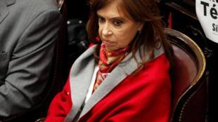 La sénatrice et ancienne présidente de l'Argentine Cristina Fernandez de Kirchner, au Sénat à Buenos Aires, le 8 août 2018.