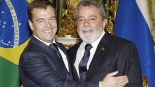 El presidente Medvedev y su par brasileño Inacio Lula da Silva se reunieron en el Kremlin, el 14 de mayo.