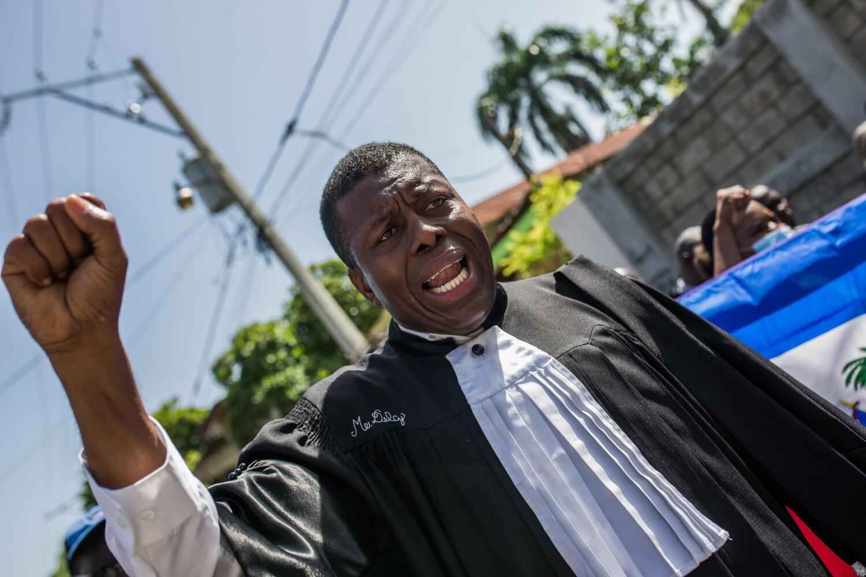 Les avocats haïtiens demandent justice pour le meurtre du batonnier de Port-au-Prince Monferrier Dorval le 3 septembre 2020.