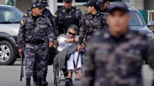 L'ancien guérillero des FARC, Jesus Santrich est ramené en prison sur ordre du Parquet après avoir été libéré par le Tribunal spécial pour la paix, le 17 mai 2019.