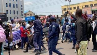 Les manifestations pour exiger l'expulsion de l'ambassadeur du Rwanda se poursuivent à Kinshasa, le 24 septembre 2020.