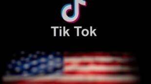 抖音國際版TikTok與美國國旗示意圖