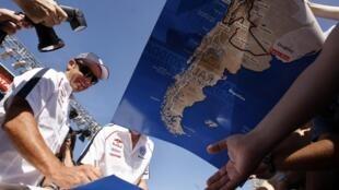 Le parcours du rallye auto-moto Dakar-2010 s'élance le vendredi 1er janvier de Buenos Aires pour y revenir le  17 janvier après un passage au Chili.