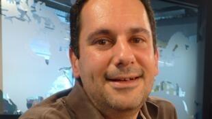 Marc Fernández en los estudios de RFI