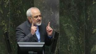 محمد جواد ظریف در مجلس