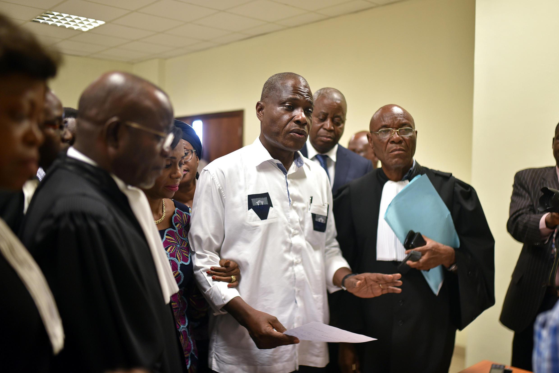 Martin Fayulu, akifikisha malalamiko yake katika Mahakama ya Katiba, Kinshasa Januari 12, 2019.
