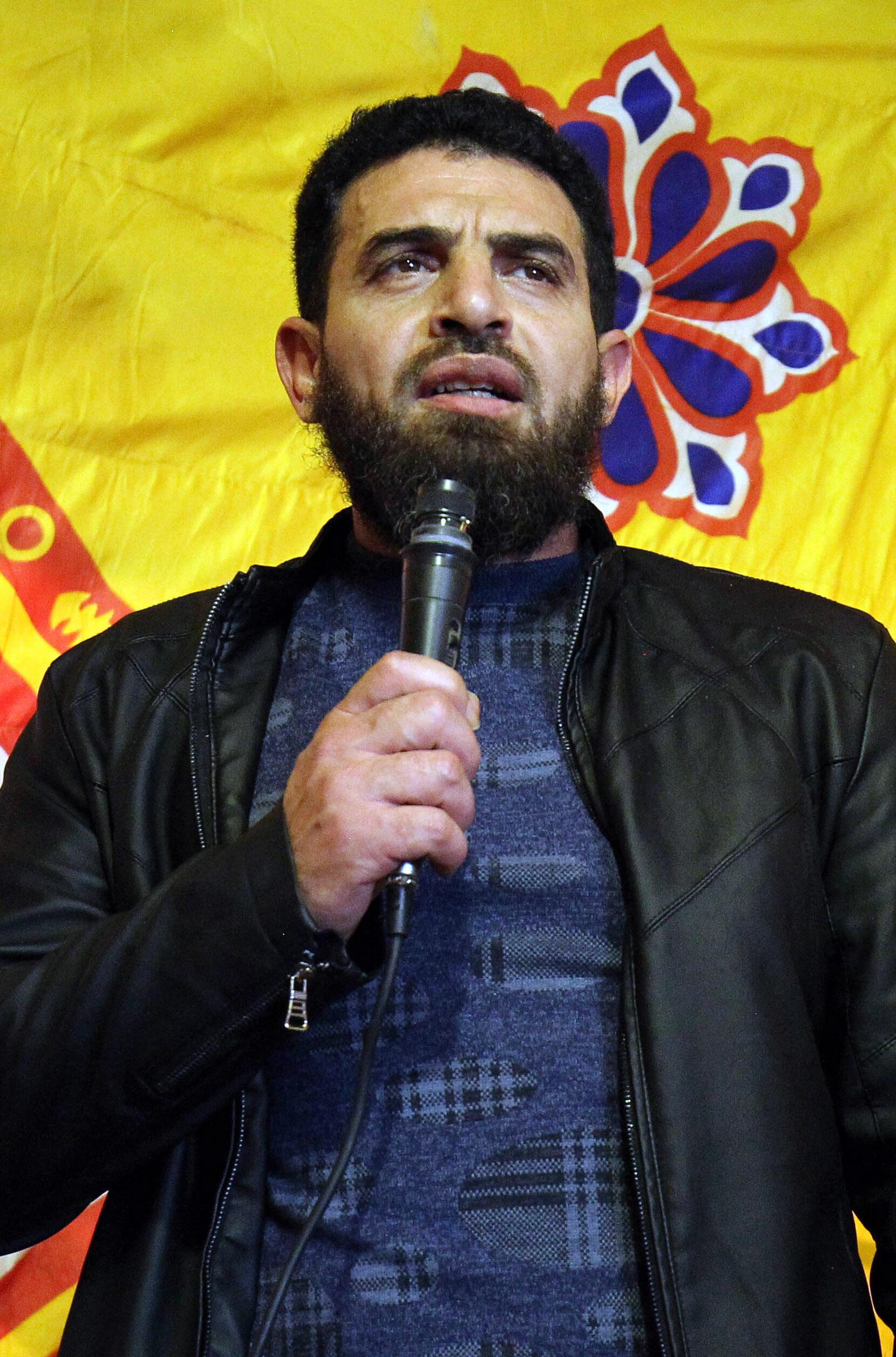 Visé par un mandat d'arrêt de la CPI, Mahmoud Al-Werfalli (ici en janvier 2017) a été mis aux arrêts, a annoncé l'armée libyenne.