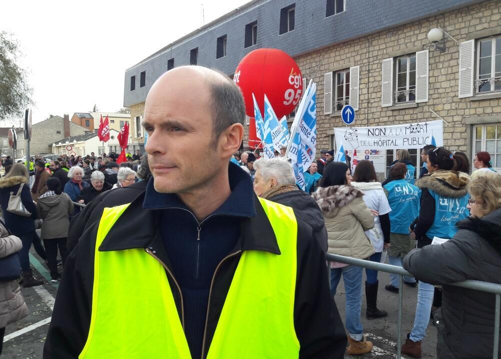 Xavier Renou, an activist and member of the left-wing France Unbowed party, has joined and helped organise the Yellow Vest movement in the town of Beaumont-sur-Oise.