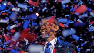 Le président Barack Obama célèbre sa victoire, le 6 novembre 2012.
