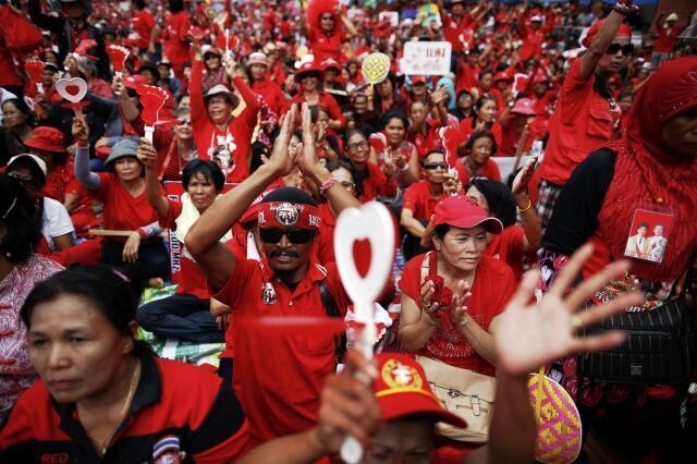 Phe Áo Đỏ Thái Lan tập hợp kỷ niệm 3 năm vụ biểu tình bị chính phủ  trấn áp tại thủ đô Bangkok.