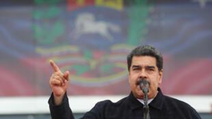 Política de Nicolás Maduro é criticada pela comunidade internacional e isola cada vez mais a Venezuela.
