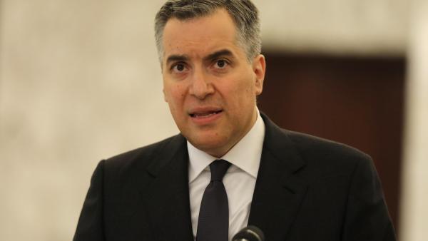 Le nouveau Premier ministre libanais, Moustapha Adib, s'exprime devant la presse au palais présidentiel, après sa désignation, le 31 août 2020.