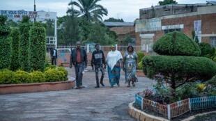 Des habitants de Lubumbashi près d'un bureau de vote, dans le Haut-Katanga, le 30 décembre 2018. (Image d'illustration)